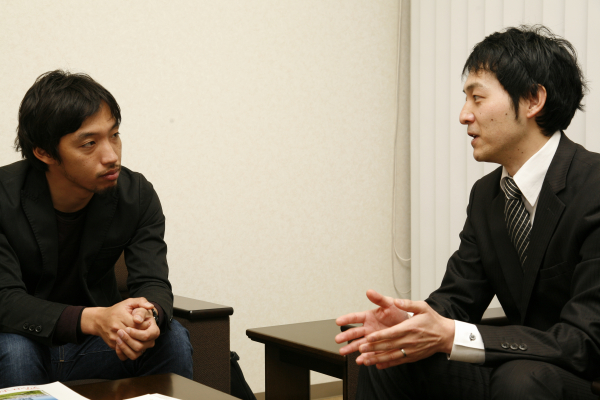大学生の就職の現状について語る西田亮介氏(写真左)と工藤啓氏(写真右)