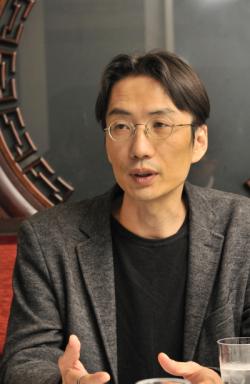 反貧困ネットワーク事務局長の湯浅誠氏
