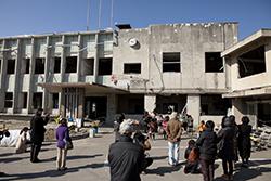 一部保存が決まった、岩手県大槌町の旧町役場(2013年3月11日撮影)