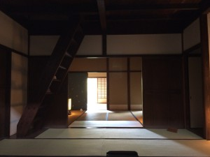 光琳屋敷の内部(台所から奥の間を望む)