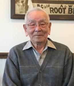 「空手のお陰でいまも車を運転できるほど元気です」と語る90歳の友寄隆宏さん